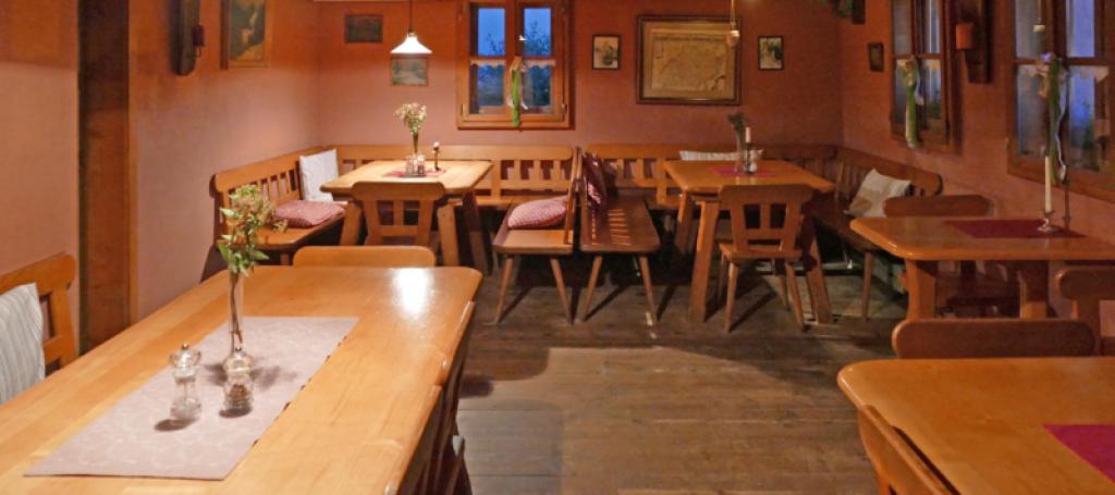 Waldlerhaus Lam großer Gastraum